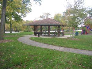 Park East River Shelter